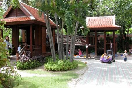Playing In The Garden | Purple Elephant 39 International School Bangkok
